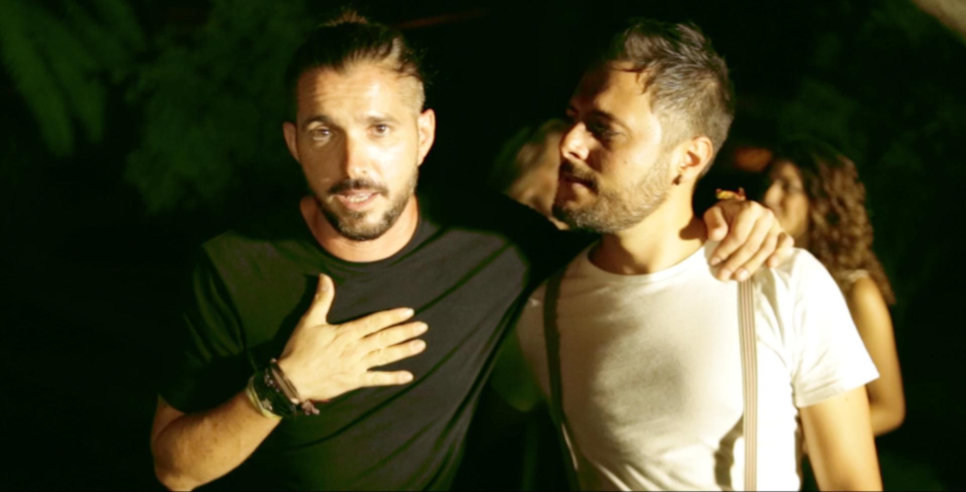 image of the video clip Una nada más